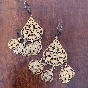 🎉5/20 SALE🎉 Amrita Singh gold filigree earrings